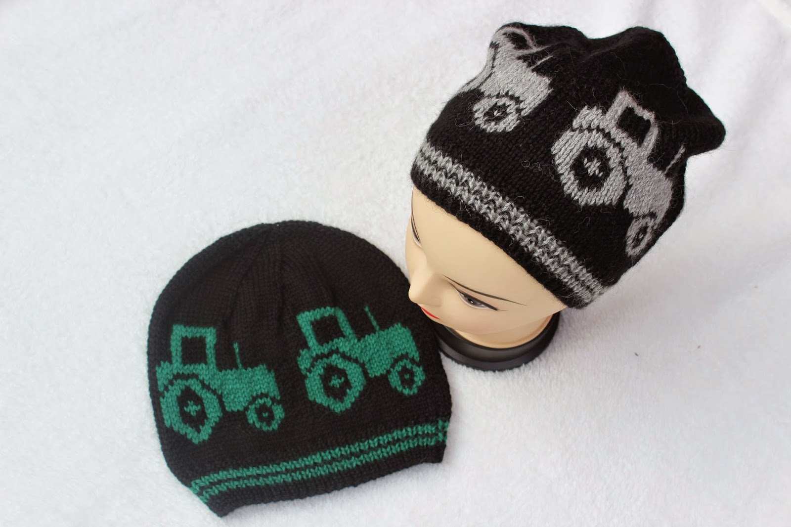Knitted Tractorhat Child/Adult